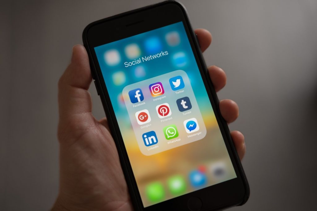5 android apps to integrate with social media